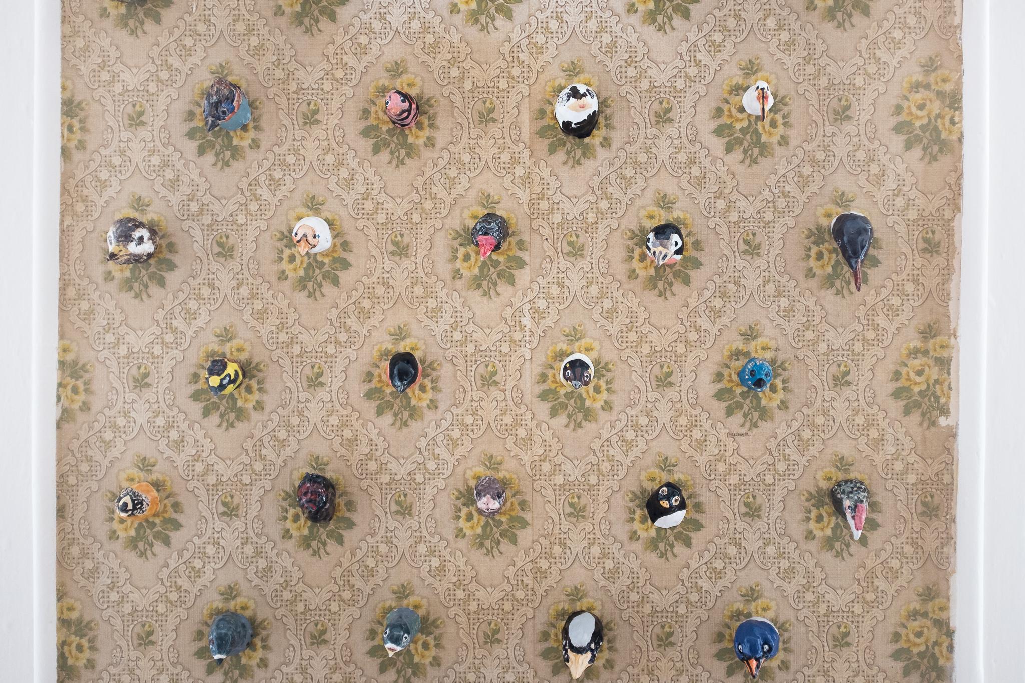 Têtes d'oiseaux, Elizabeth Lincot, céramique émaillée (2016-2017)